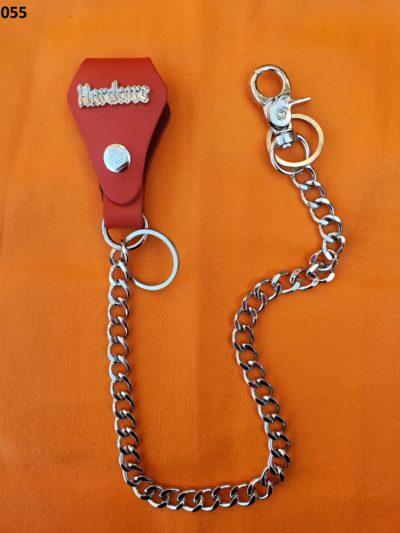 łańcuch metalowy z czerwoną bojówką