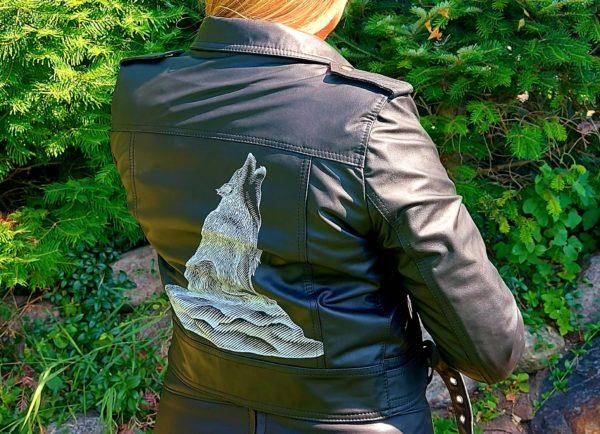 Skórzana kurtka ramoneska ręcznie malowana wilk
